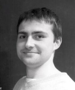 Vincent Guedo, Technicien informatique à temps partagé