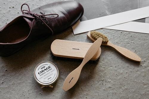Andrée Jardin, kit de cirage à chaussures