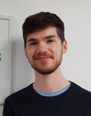 Sébastien, informaticien à temps partagé